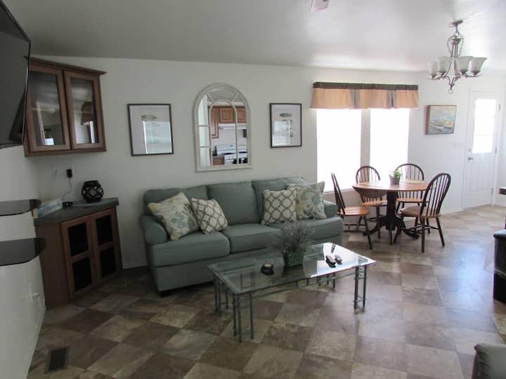 229 Arizona Oasis Rental 2 Bed 2 Bath Sleeps 6