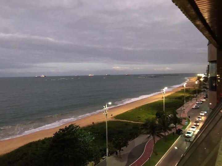 Frente para o mar - AP montado - Praia da Costa