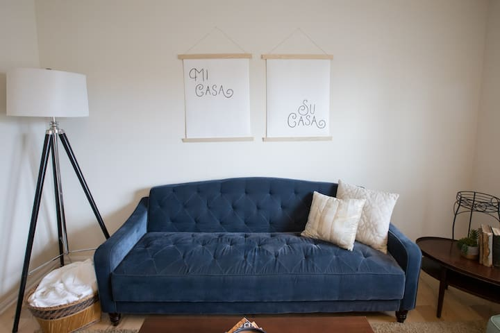 ★LONG-TERM RENTERS WELCOME ★ CHARMING APT/2BR