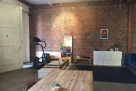 Arts District Loft & Wellness Concierge Service - Los Angeles - Loft