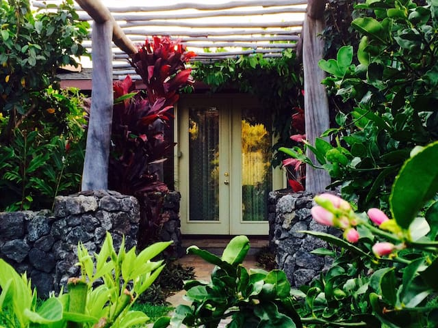 GORGEOUS 5 STAR TRANQUIL SERENE NEAR BEST BEACHES! - Waimea - Casa de hóspedes