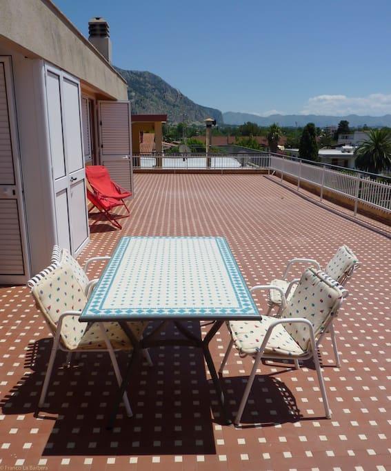 La terrazza - The front terrace