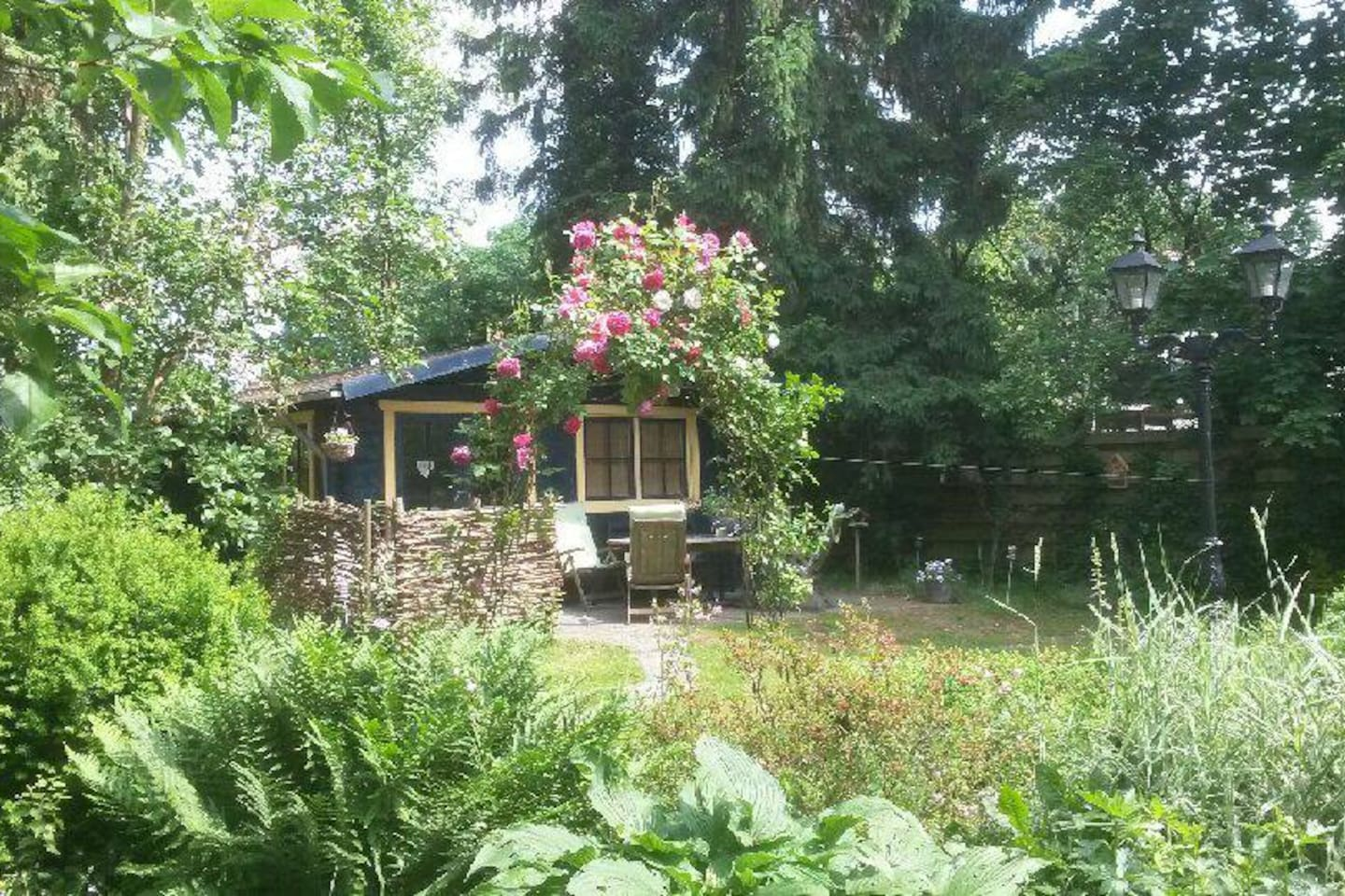 in a beautifull garden 1400 m2 a lovely tiny house with all facilities