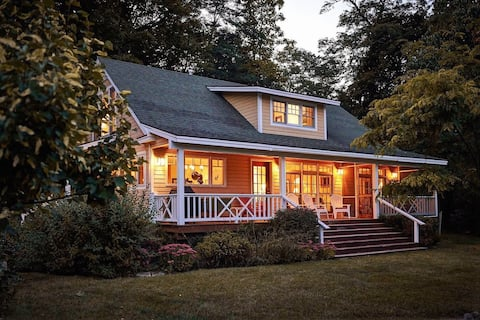 Picturesque Lakefront Cottage with Dock