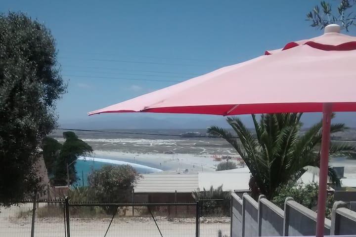 Cabaña frente a playa Socos