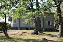 Stora huset, balkong finns till ett av sovrummen