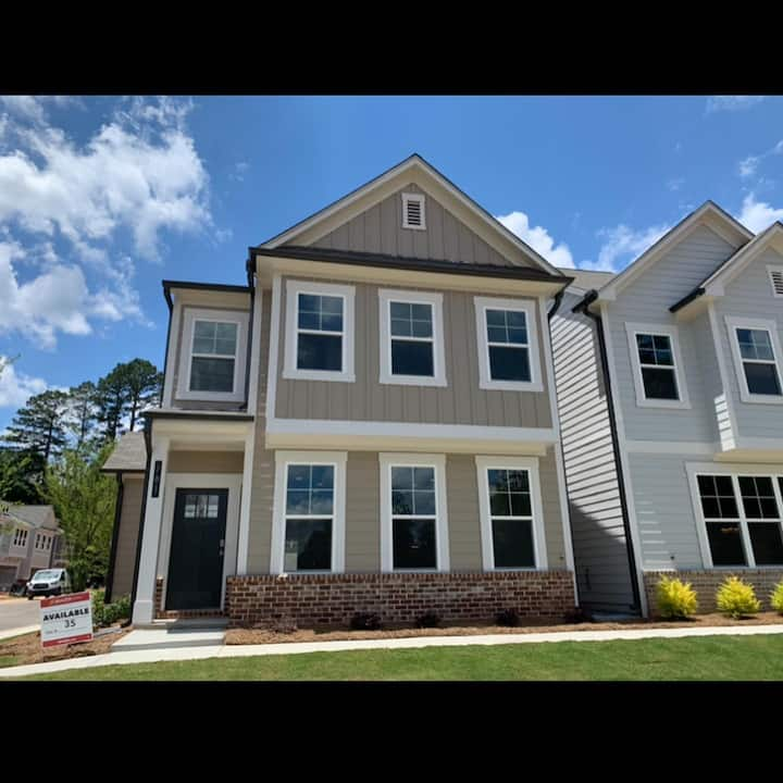 New 3 Bedroom TownHome Near Atlanta Braves Stadium