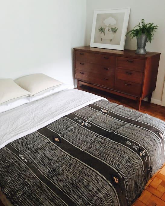 Double bed & dresser