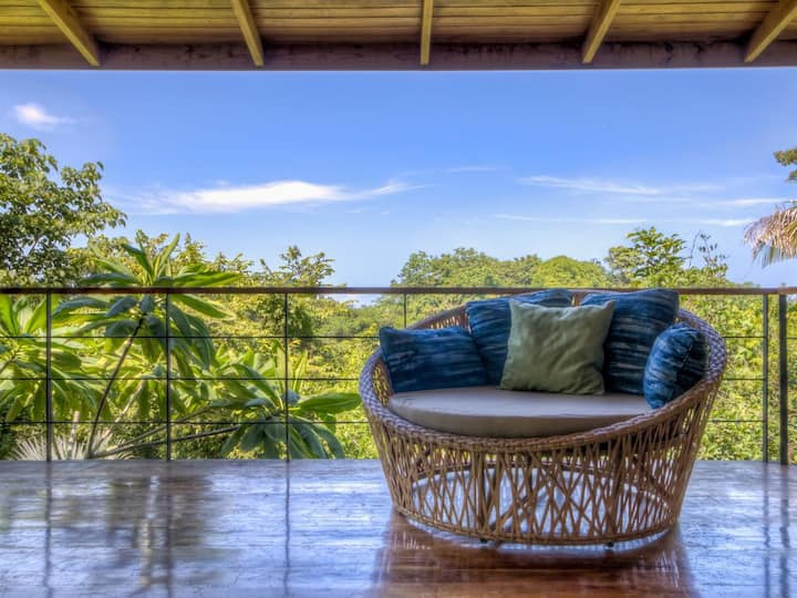 Open Air Jungle Home with Ocean View Pool!