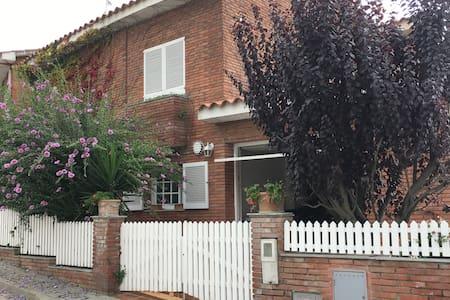 Casa pareada, luminosa y fresca - Sant Andreu de Llavaneres