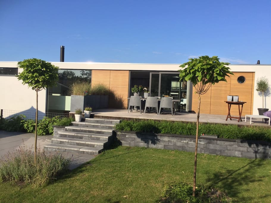 Garden on the wallsite with a large terrace and free parking space just outside.