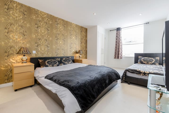 Luxury Bedroom en-suit bathroom in central London - Londra - Appartamento