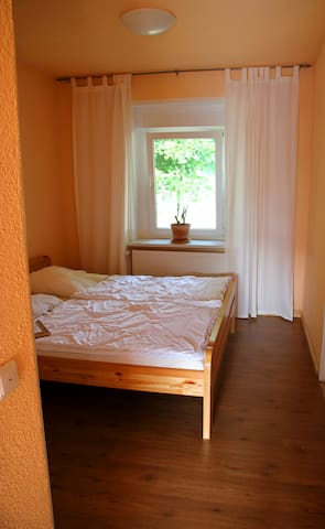 #2: Schlafzimmer / bed room