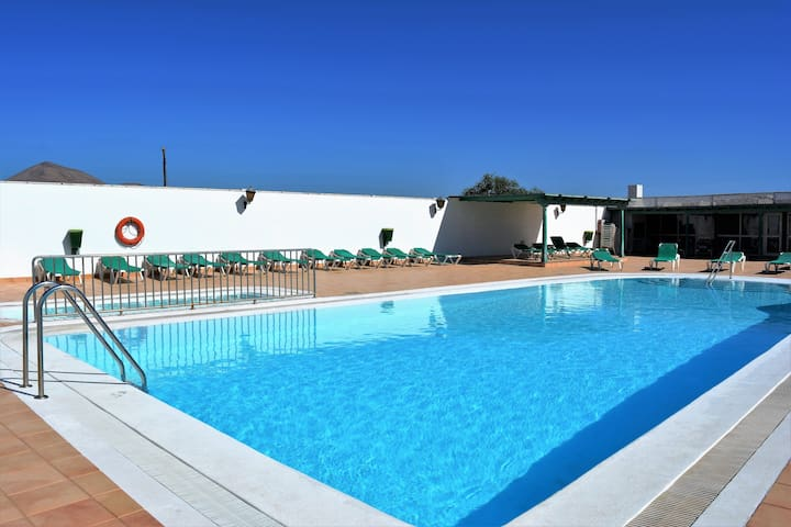 Plus Puerto del Carmen Share Pool Wifi Terrace 34!