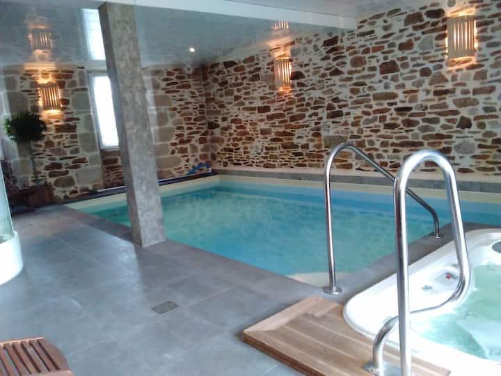 La Maison-spa  d'Odette et Daniel  Cantal Auvergne