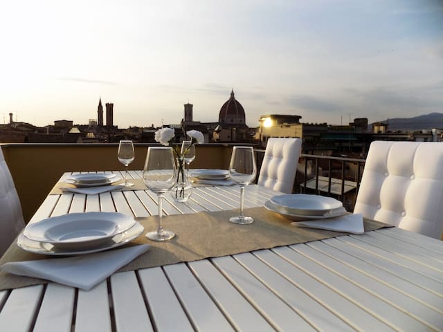 Hs4U Terrace Suite Apartment in Florence