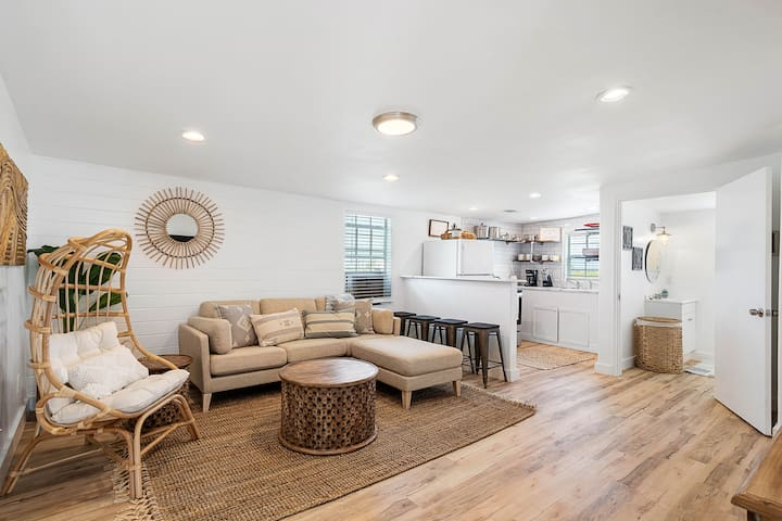 Surf Chic-Hidden Gem-2019 Remodel-Close to Beach