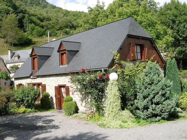 Gîtes Pyrénées 3 étoiles - Gez-Argeles - House