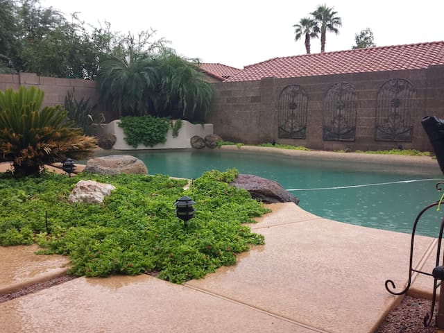 Dream vacation awaits! pool billiards kayak +More - Gilbert - House