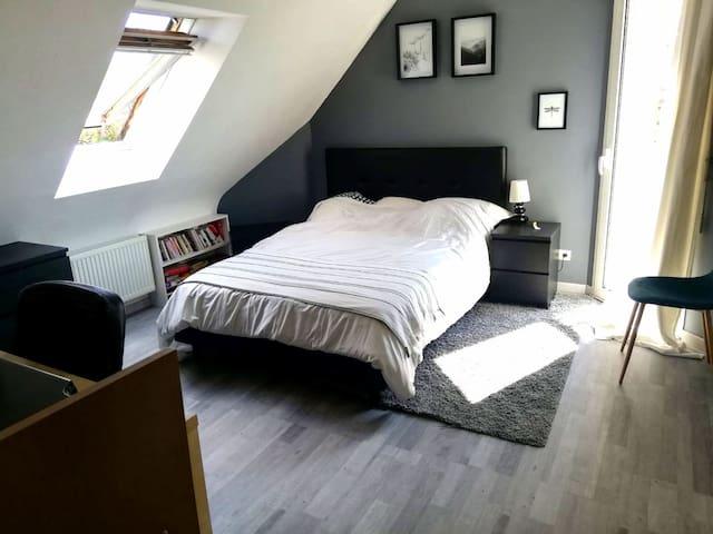 Chambre dans maison  au calme près de Rennes