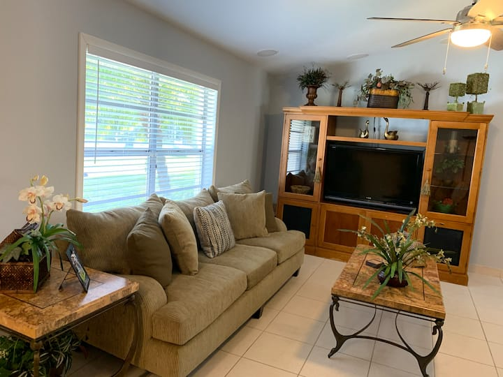 Newly remodeled home in the heart of Wellington!!