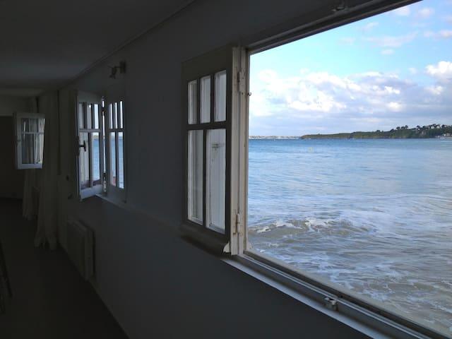 Appartement sur la plage, les pieds dans l'eau - Saint-Cast-le-Guildo - Lägenhet