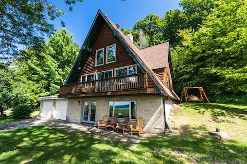 NEW LISTING Riverview Cabin home!