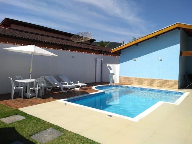 Excelente casa praia Lagoinha-Ubatuba c/ piscina