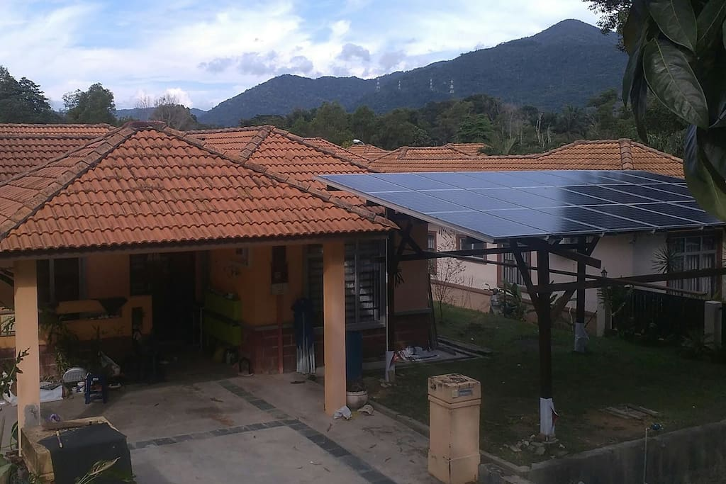 Assuring that wherever you are, you can enjoy the spectacular view of the surrounding hillsides of the Gunung Angsi with a cozy retreat under solar panel roof.