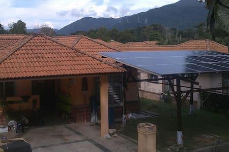 The Spectacular AngsiView Homestay Senawang - Seremban - Vila