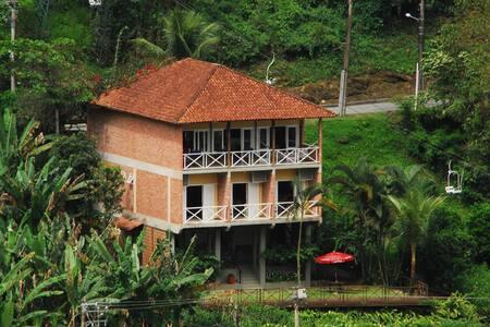 Casa Espetacular Angra dos Reis - Cond. Portogalo - Angra dos Reis - Condominio