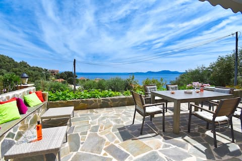 The Sea-View Cottage - 500m from the beach