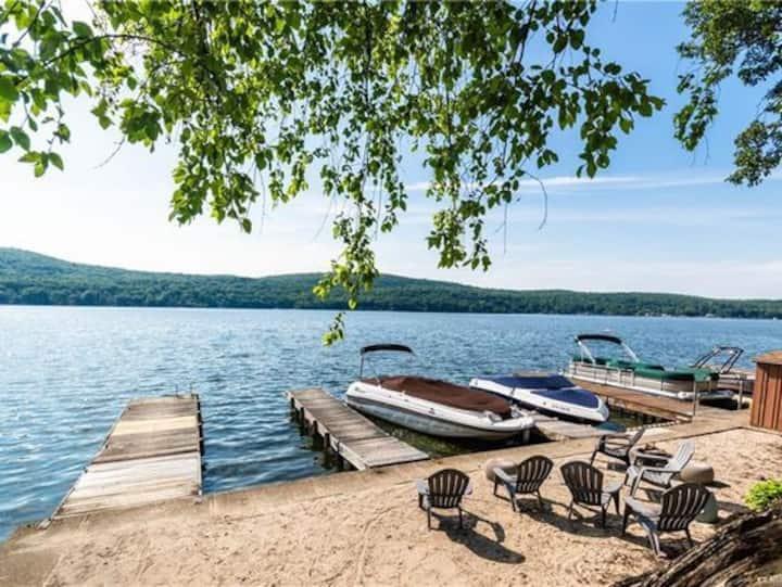 Latitude lake house with lake  access & dock slip