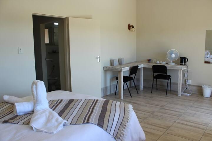Moonlight Resort.Standard Room.Single Occupancy