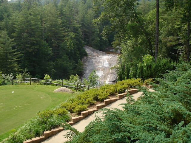 Waterfall Walk - Golf, Hike, Bike, Clemson Games