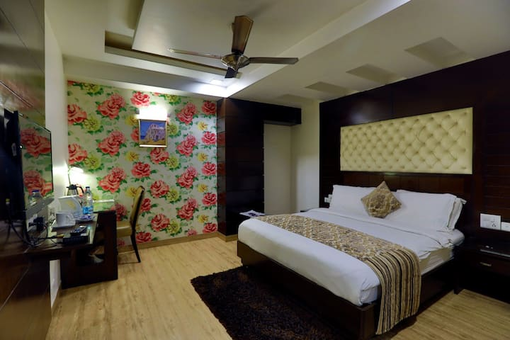 Deluxe Room At Beautiful City