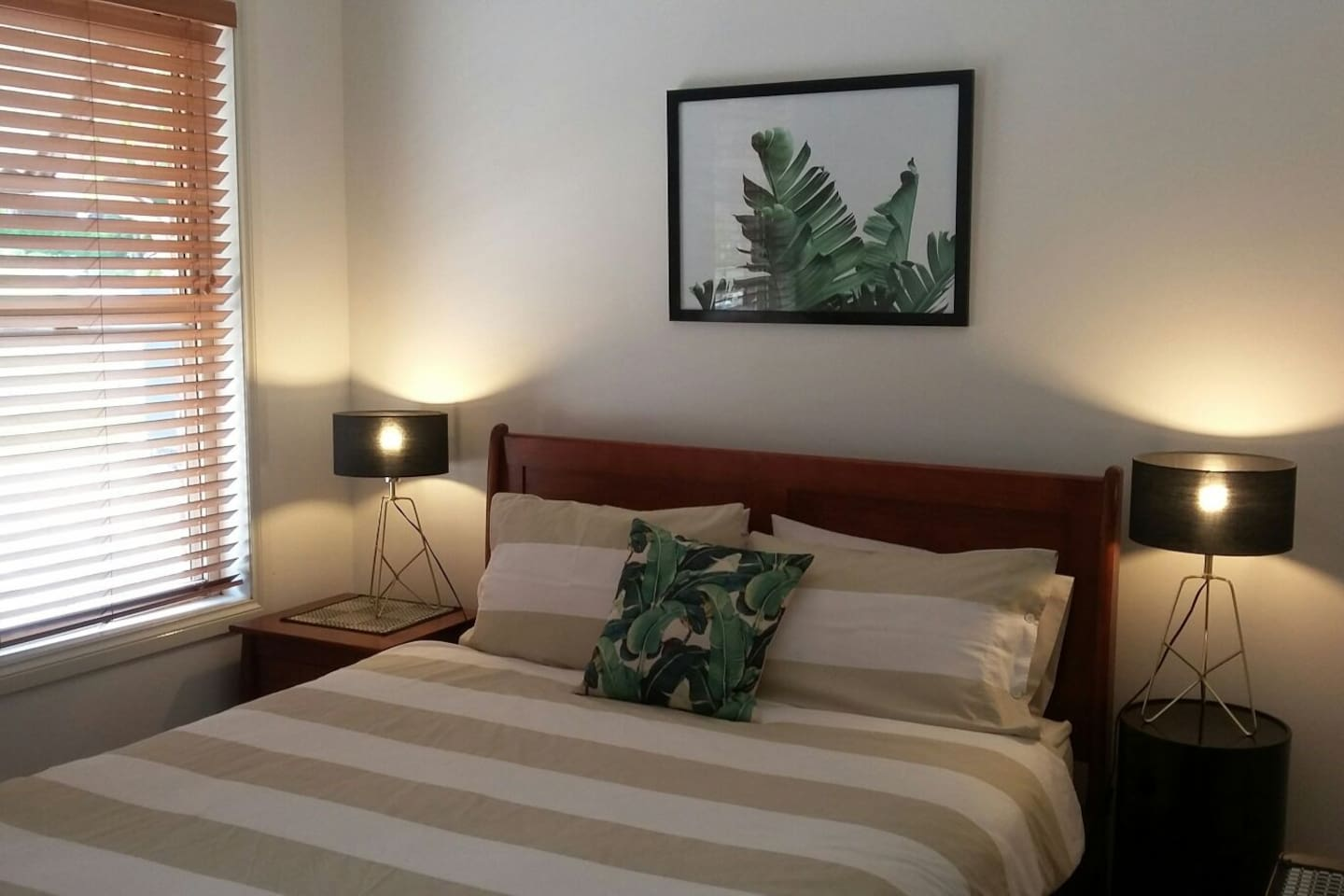 queen room with tv and fresh linen