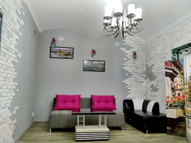 Apartment on Golovna street - center