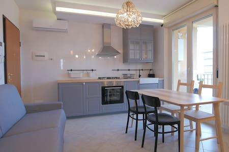 Appartamento trendy sul lungomare - Alba Adriatica - Leilighet