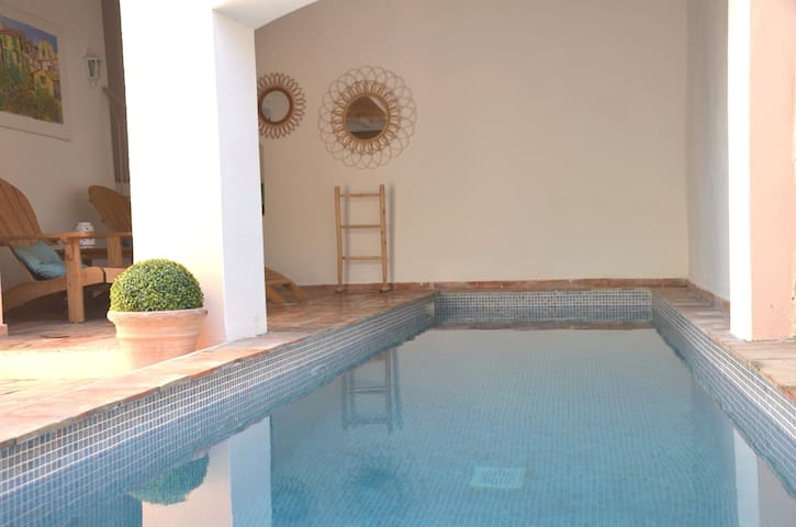 Villa Magdeleine with private pool 1 min from port