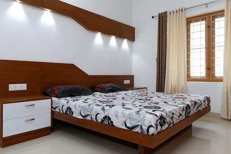 Erackath Premium Apartment near OberonMall - Kochi - Apartemen