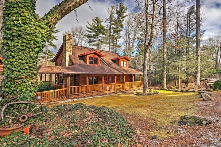 5BR Sapphire Cabin w/ Fire Pit & Game Room! - Sapphire - Chalet