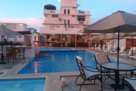 HOTEL EN CRUCITA #ENJOY - Crucita - 旅舍