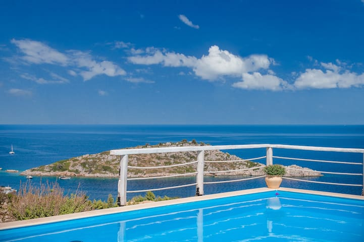 VILLA SOFIA with private pool and sea view