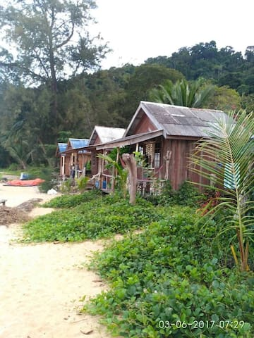 The Nipah Chalet Beach Front 3
