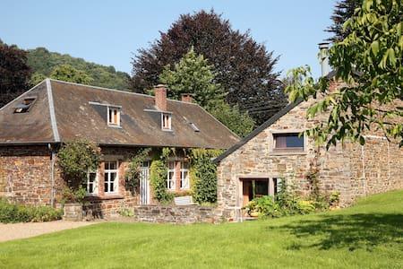 Maison familiale et grand jardin - Rendeux - Дом