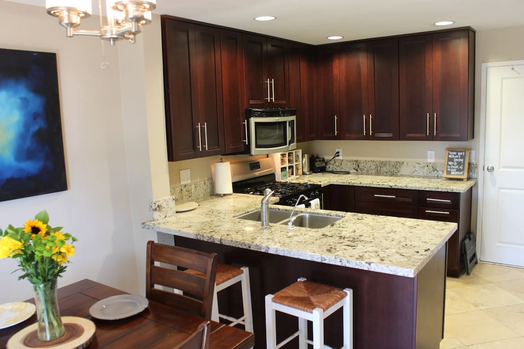 Full Size kitchen with gas burner.