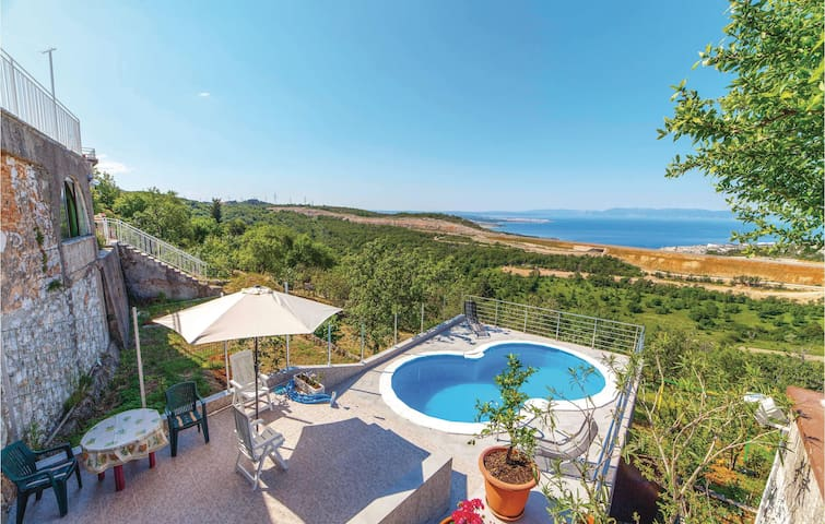 Holiday apartment with 2 bedrooms on 55m² in Krasica