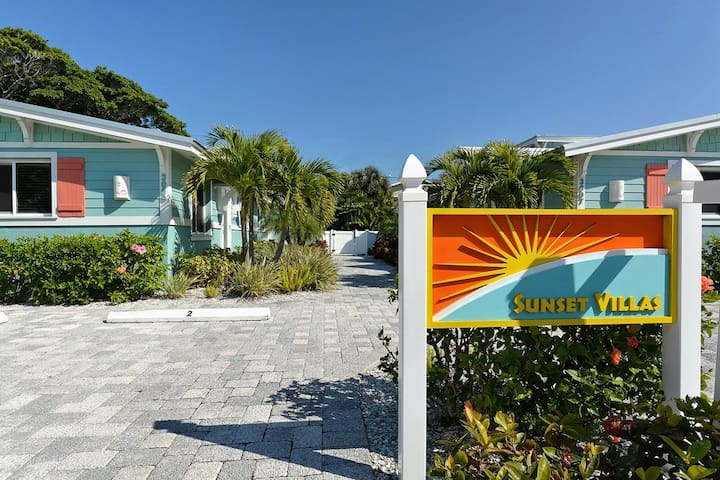 Blanco at Sunset Villas on Anna Maria Island - Holmes Beach - Villa