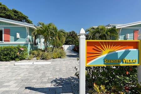 Blanco at Sunset Villas on Anna Maria Island - Holmes Beach